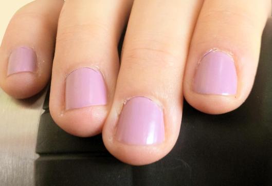 Miss Luster-Ess: L'Oreal nail polish @splattershare